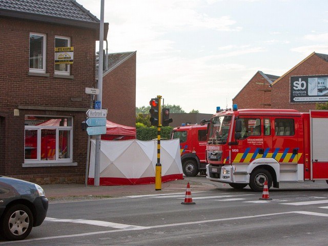 Vijf doden nadat auto zich in café boort in Kortessem