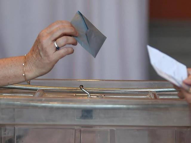 Une dame de 95 ans se présente au bureau de vote et on lui annonce… qu'elle est morte!