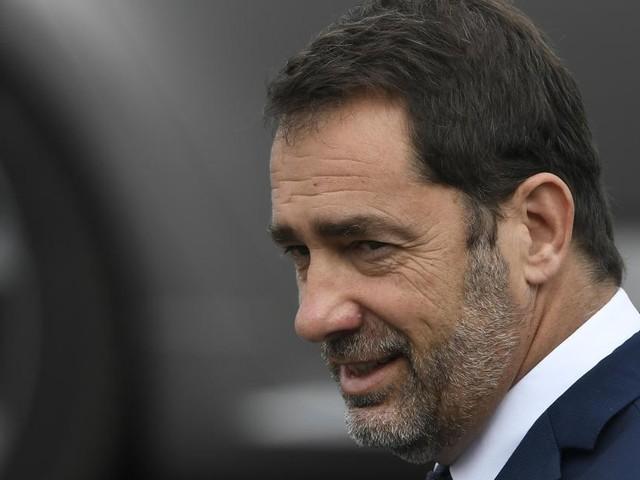 France: le ministre de l'Intérieur ne donnera pas le nombre de voitures brûlées les 13 et 14 juillet