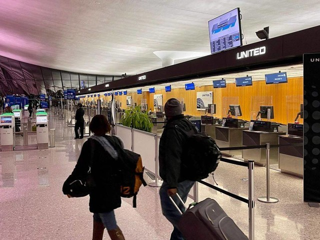 Le Conseil d'État maintient l'interdiction des voyages non essentiels