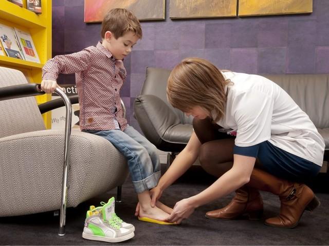 Winkelen met kinderen en kapper aan huis: mag dat? Alle vragen over de nieuwe coronamaatregelen