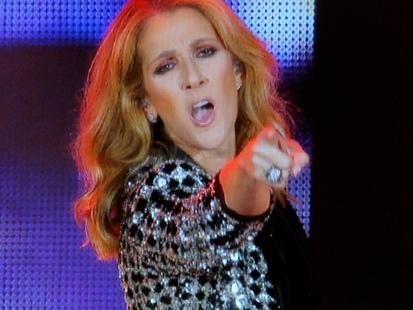 Prise dans un prétendu scandale financier, Céline Dion répond à ses détracteurs