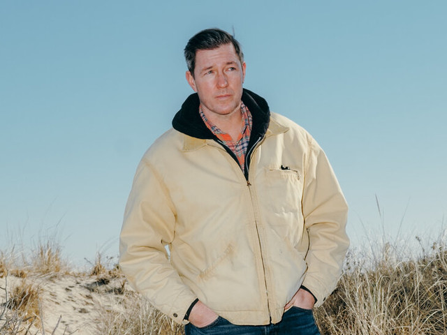 Edward Burns Returns to Long Island with 'Bridge and Tunnel'