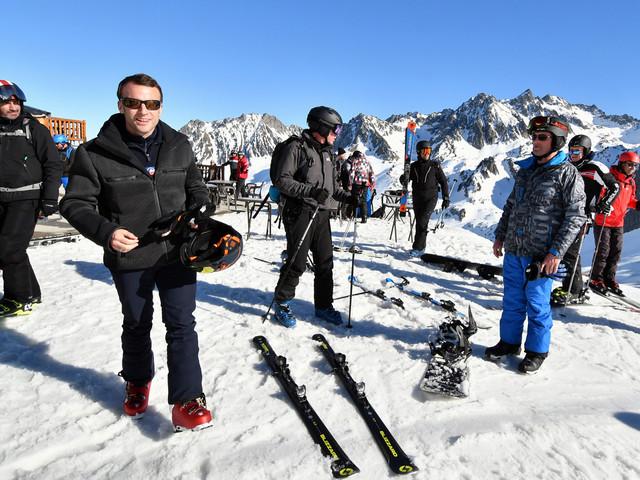 Hautes-Pyrénées : Emmanuel Macron décompresse à la station de ski de La Mongie