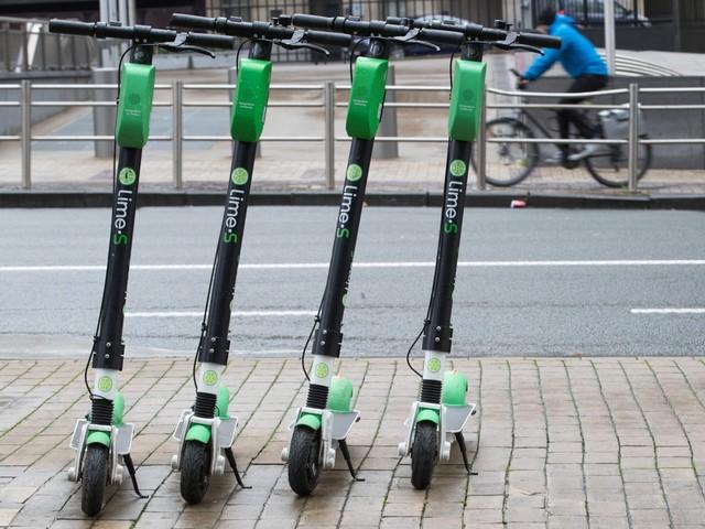 Brusselse deelsteps en -fietsen hebben voortaan vergunning nodig