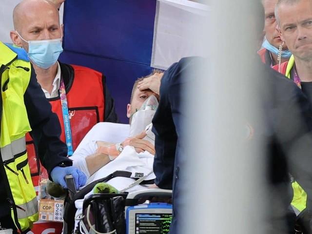 Christian Eriksen, conscient, évacué en ambulance après un arrêt cardiaque lors de Danemark-Finlande (Mise à jour)