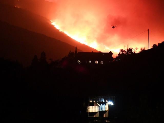 Californie: des centaines de maisons évacuées suite à un énorme incendie