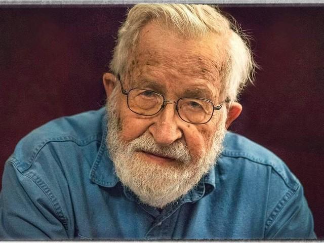 Noam Chomsky : « La pression des activistes sur l'administration Biden ne doit pas cesser »