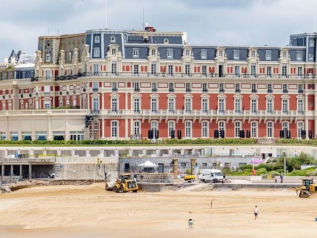 Le légendaire Hôtel du Palais à Biarritz, hôte de la prochaine réunion du G7 (PHOTOS)