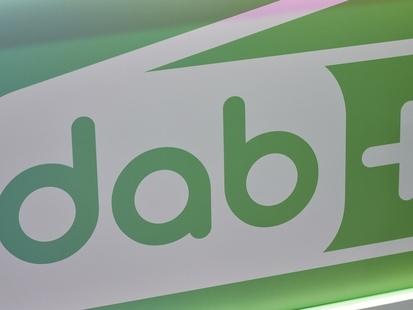 Toutes les voitures neuves bientôt équipées du DAB+