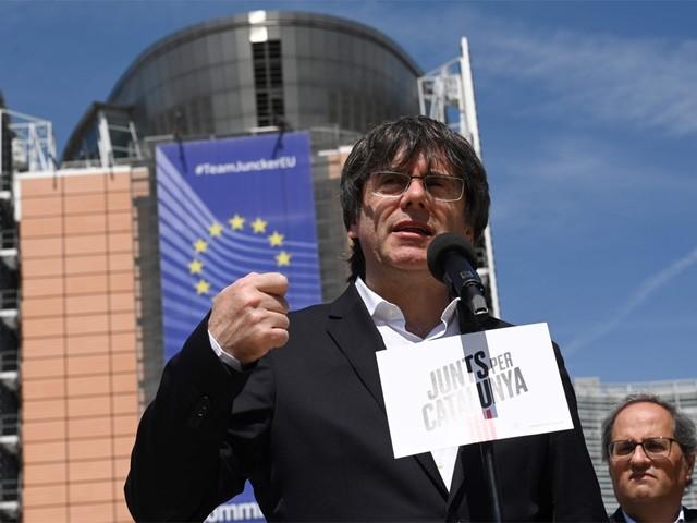 Spanje blokkeert Europees mandaat Puigdemont