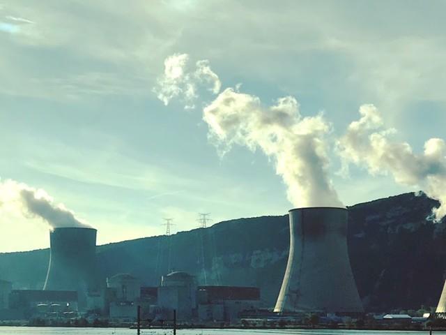 Réduction du parc des centrales nucléaires : la vacance de Monsieur Hulot