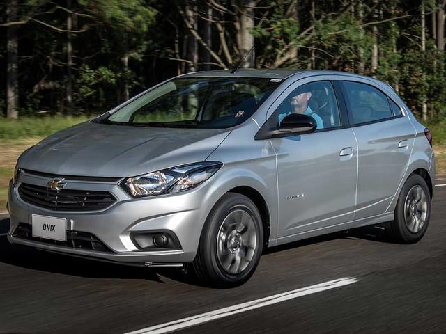 Chevrolet Onix Advantage automático sai por R$ 53.990