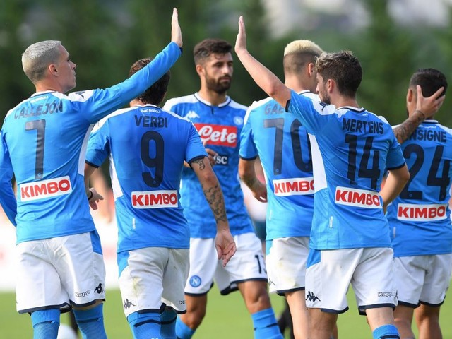Napoli e RB Leipzig vencem amistosos; Schalke 04 e Monaco perdem