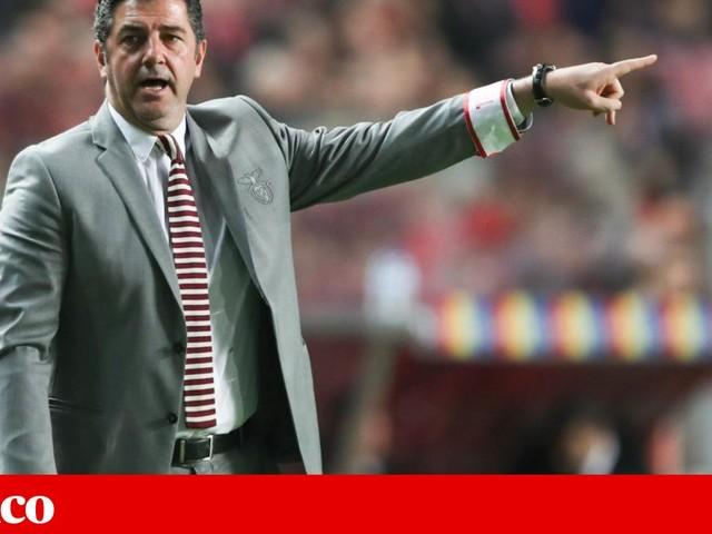 Rui Vitória diz que não foi devidamente protegido no Benfica