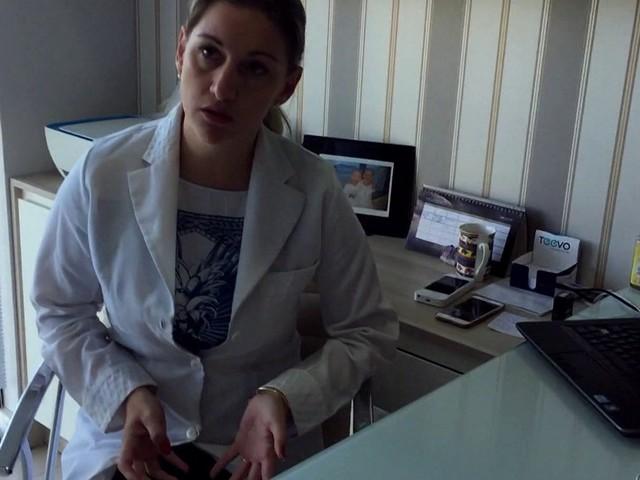 Mulher é acusada de usar frascos vazios na hora de aplicar vacinas