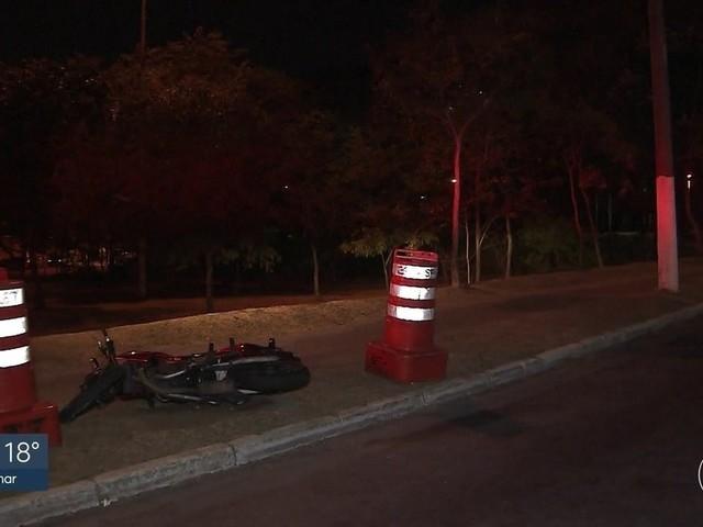 Polícia quer explicações da Prefeitura de SP sobre corda de nylon que matou motociclistas em ponte interditada