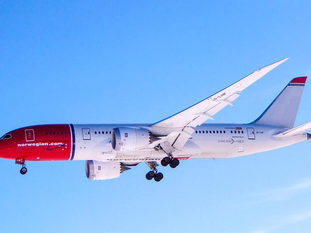 Como é voar na classe econômica da Norwegian de Londres para o Rio de Janeiro