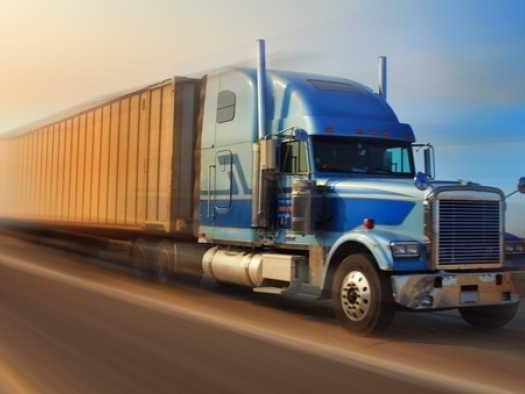 UPS vem entregando encomendas nos EUA com caminhões autônomos