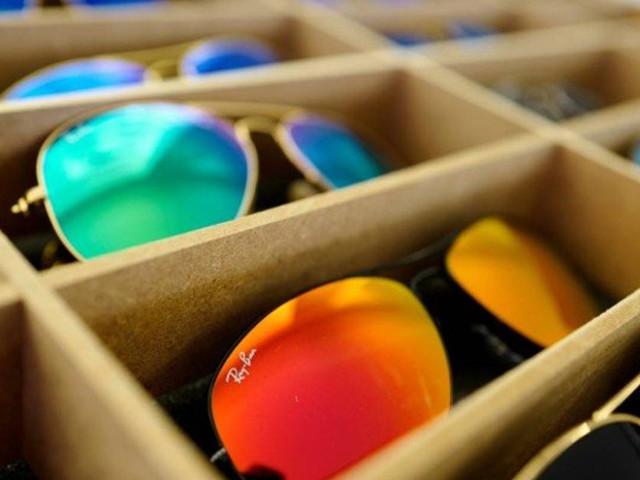 Golpe usa desconto de 90% em óculos Ray-Ban para atrair vítimas