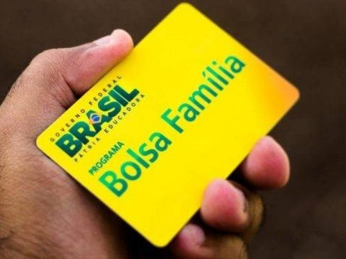 Auxílio emergencial de R$ 600 deve chegar primeiro a quem recebe Bolsa Família
