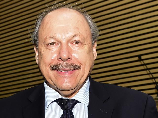 """Peres faz analogia curiosa: """"Santos não pode ser uma teta com 420 chupetinhas"""""""