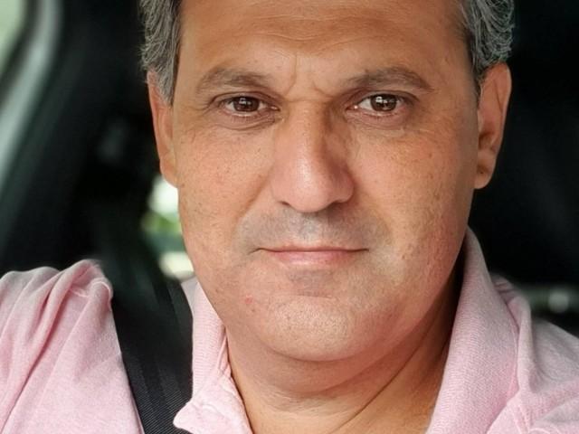 Morre apresentador Stanley Gusman, aos 49 anos, de Covid-19; jornalista questionava pandemia