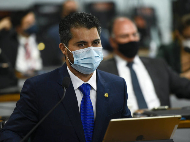 Relator amplia jabutis em MP da Eletrobras para atender base no Senado e votação é adiada