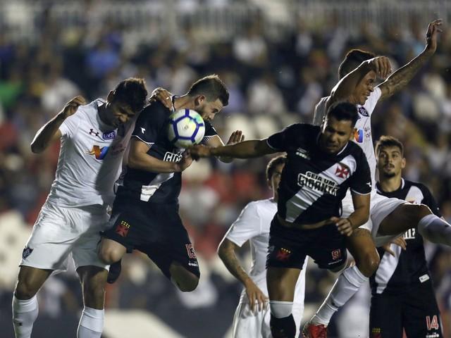 Vascaínos lamentam amargo empate com o Fluminense em casa