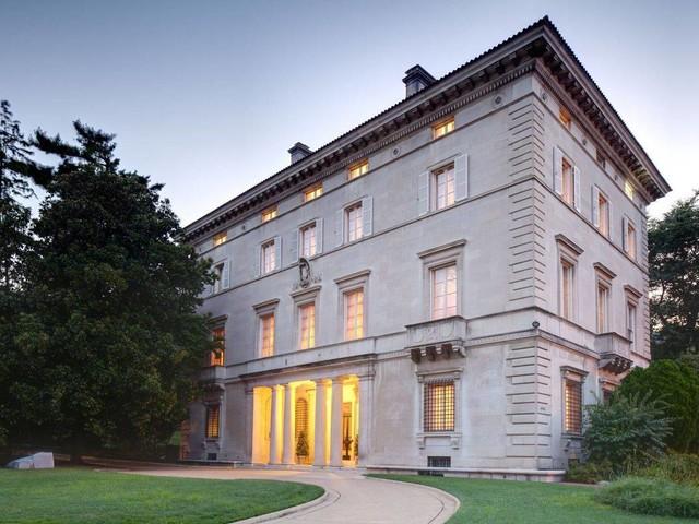 Se ganhar embaixada, Eduardo Bolsonaro se muda para palácio de 1908