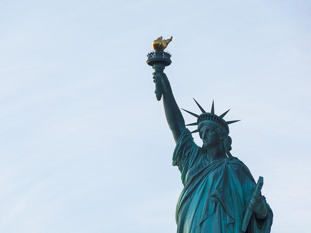 Vai viajar para os EUA? Seus eletrônicos podem ser inspecionados