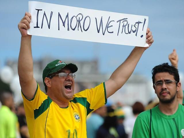Ato em apoio a Sérgio Moro reúne 15 pessoas em Curitiba
