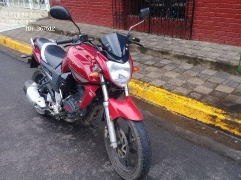 VENDO O CAMBIO MOTO RAYBAR200 CON 7000 KM AÑO 2013