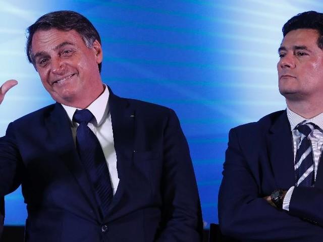 Sakamoto | Bolsonaro limpa o terreno, e fãs ainda o defendem