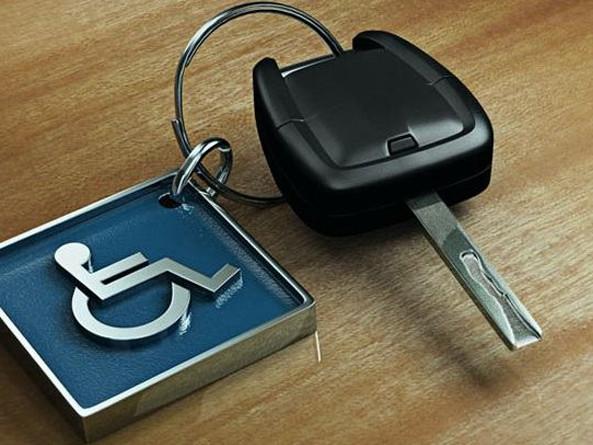 Locadoras podem ter de disponibilizar veículos adaptados a pessoas com deficiência