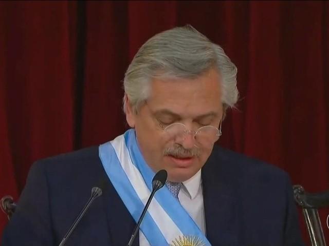 Novo presidente da Argentina anuncia aumento de impostos sobre as exportações de grãos
