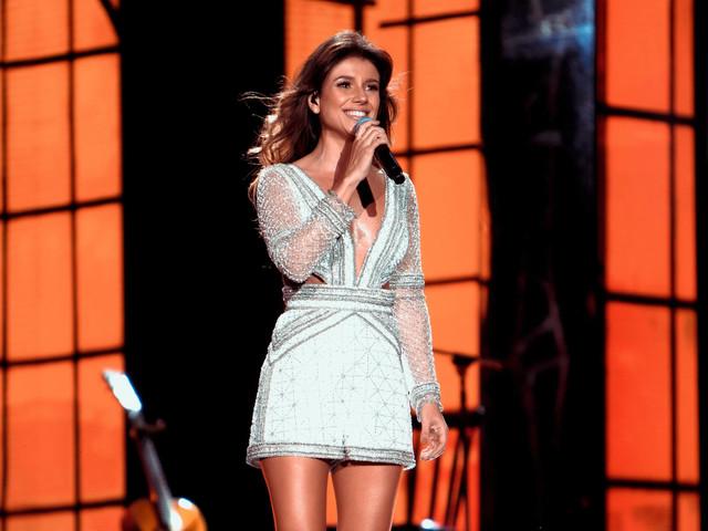 Paula Fernandes divulga clipe de 'Juntos' que gravou com fãs; público foi às lágrimas