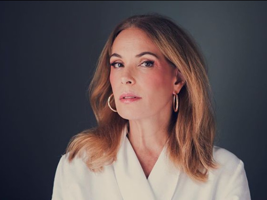 Após ser dispensada pela Globo, Carolina Ferraz pode apresentar programa em outra emissora