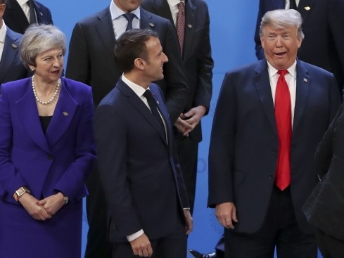 Trump quer discutir imposto digital da França com Macron no G-7