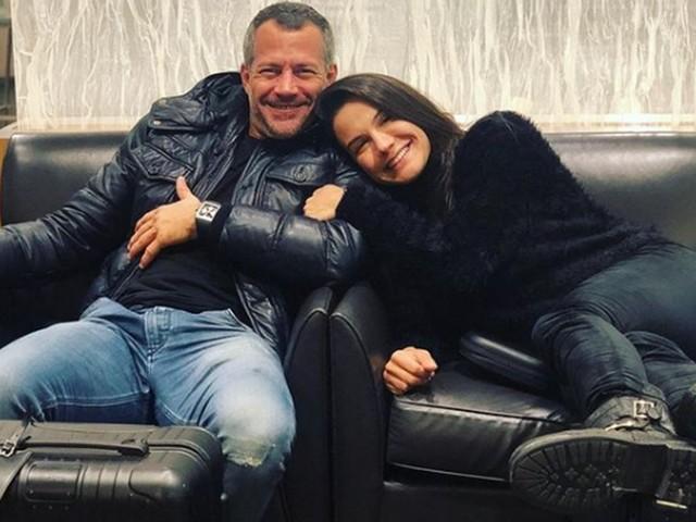 Malvino Salvador e a esposa Kyra Gracie celebram quarto mês do caçula