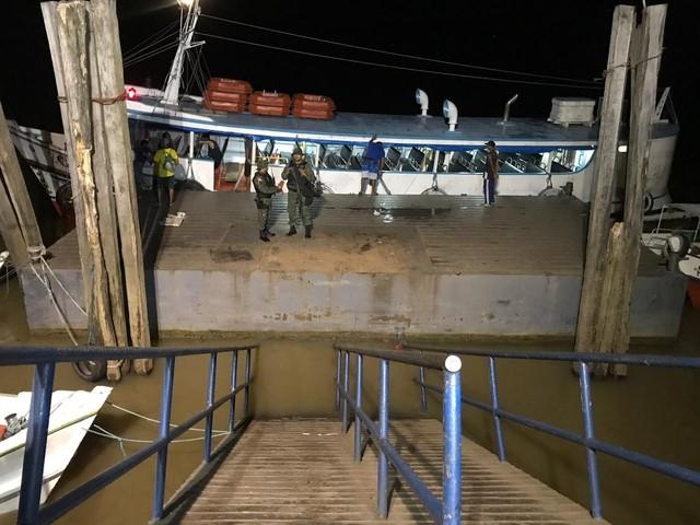 Ponte de trapiche se solta e cai no distrito de Icoaraci, em Belém; VEJA VÍDEO