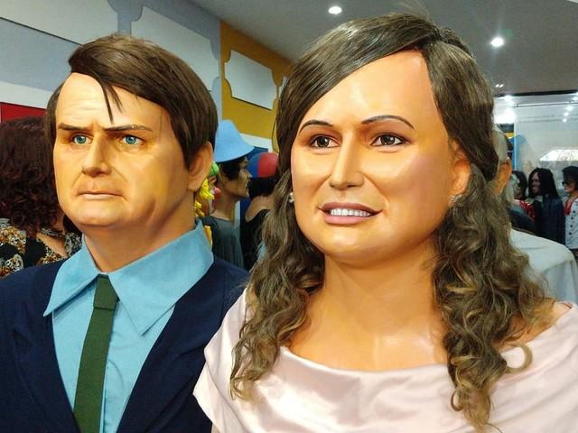 'Boneco de Bolsonaro vai desfilar em Olinda e no Recife', diz artesão da Embaixada dos Bonecos Gigantes