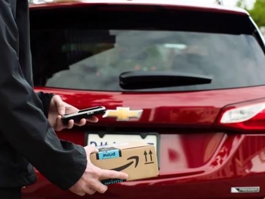 Amazon agora vai entregar encomendas dentro do carro dos clientes