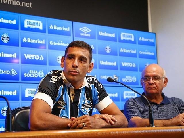 Em apresentação no Grêmio, Diego Souza revela sonho de ganhar a Libertadores