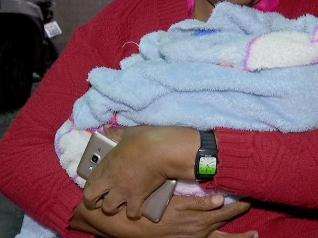 Recém-nascido é resgatado em ponto de venda de drogas e mãe e mais 3 pessoas são detidas em MT