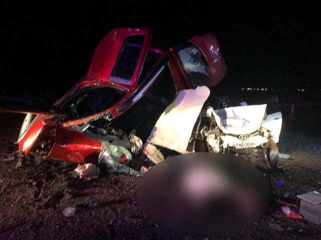 Duas pessoas morrem e quatro ficam feridas após colisão entre dois carros na BR-163 em MT