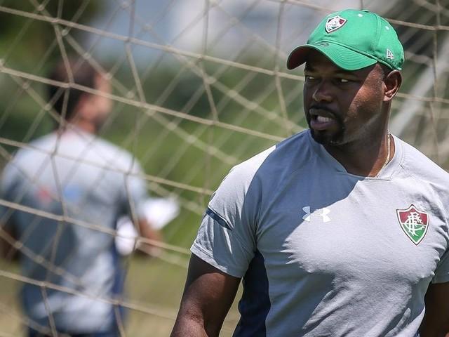 Falta de consenso sobre novo técnico e crise financeira fizeram Fluminense efetivar Marcão