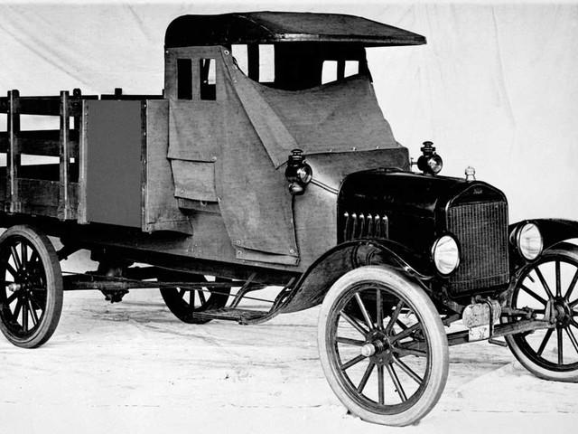 Ford comemora 100 anos de produção de picapes