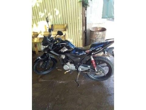Vendo moto por motivos de viajes