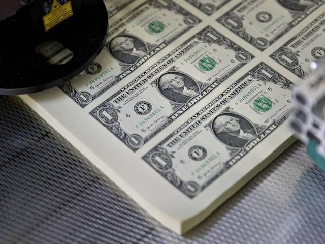 Dólar volta a cair e é negociado a R$ 3,85 nesta quarta-feira; Bolsa sobe